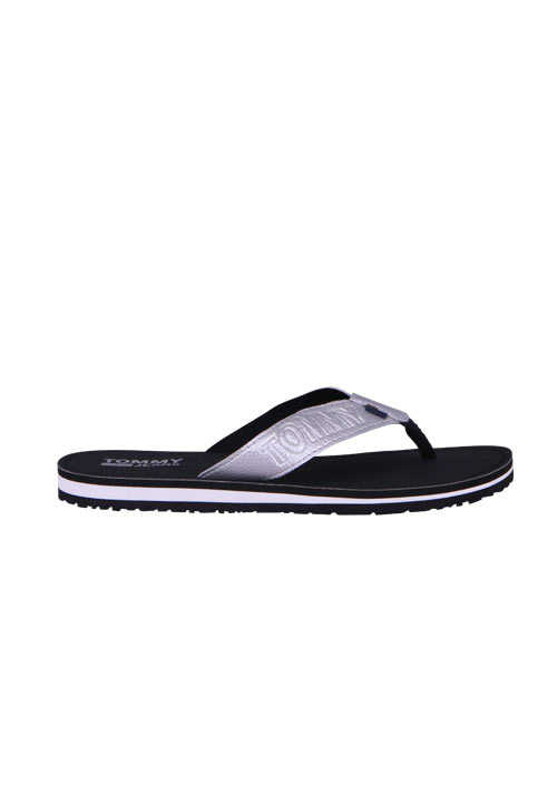 TOMMY JEANS Flip Flop SHINY METALLIC Logo-Detail silber